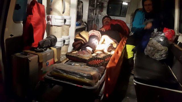 نجات گروه کوهنوردی 21 نفری در کوه های تسوج