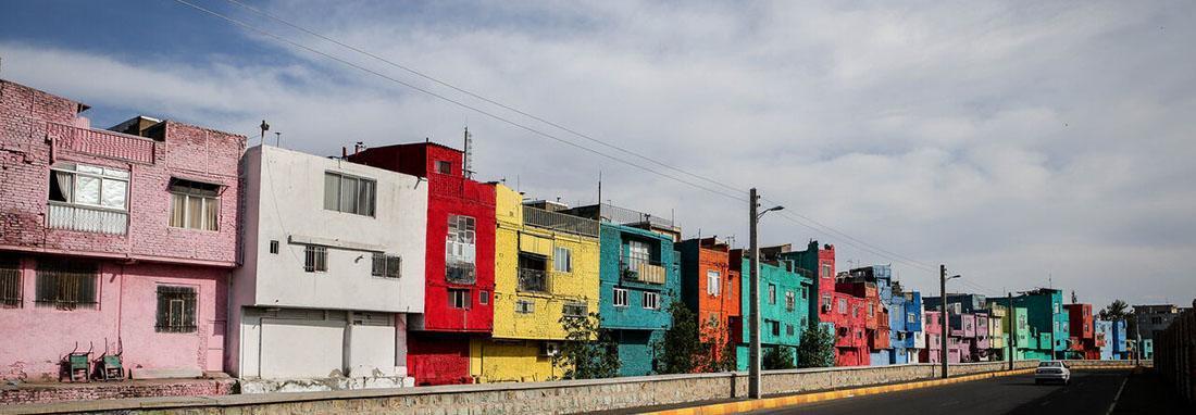 اینجا ایران است ؛ محله متفاوت و رنگین قزوینی ها ، تصاویر خیابانی که خانه هایش رنگین کمانی است