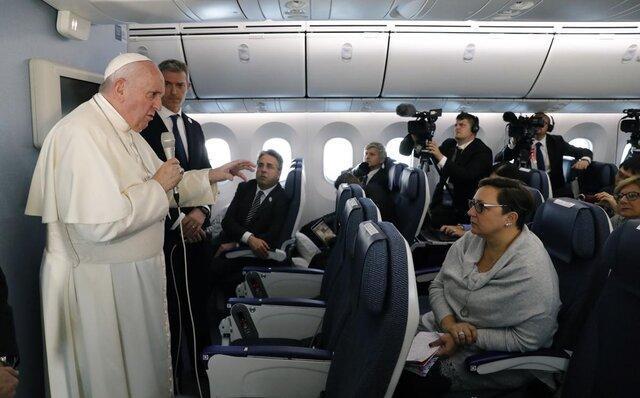 پاپ رسما مالکیت تسلیحات اتمی را غیر اخلاقی اعلام می کند