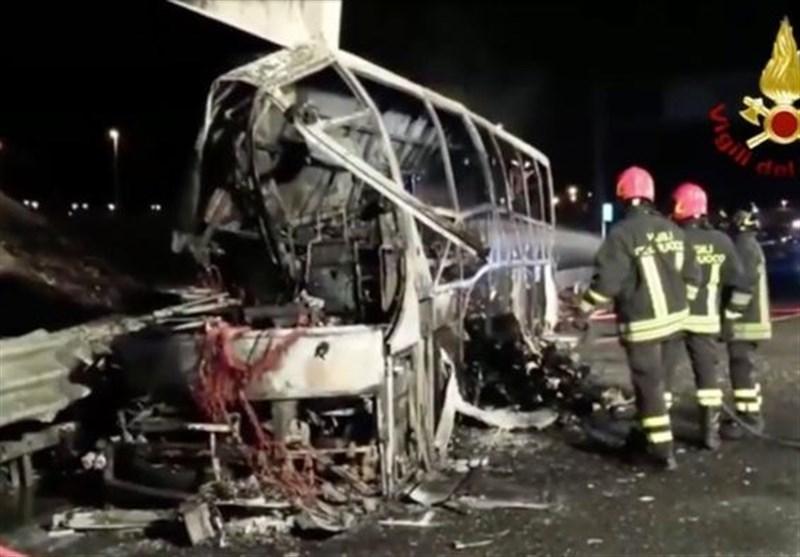 فیلم، برخورد اتوبوس دانش آموزان با دکل برق با 16 کشته