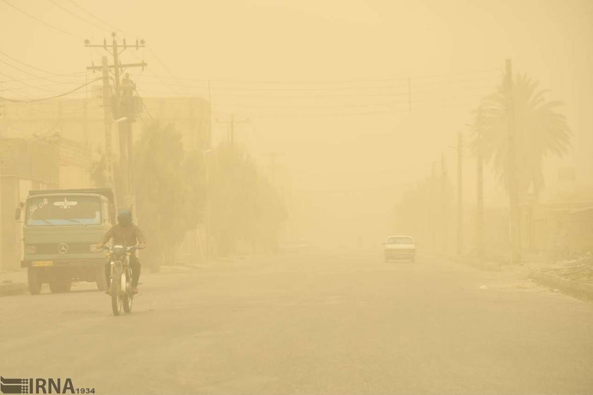 خبرنگاران گردوخاک پس از باران مهمان خوزستان می شود