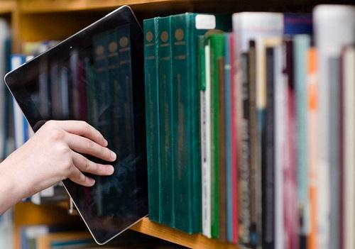 کتابخانه دیجیتال Covid-19 در دانشگاه آزاد شهرکرد راه اندازی شد