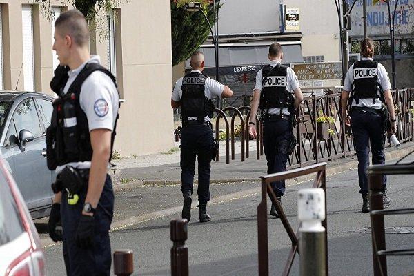 بازداشت مهاجم چاقو بدست در فرانسه