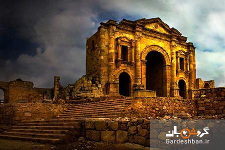 طاق هادریان از مشهورترین آثار تاریخی اردن