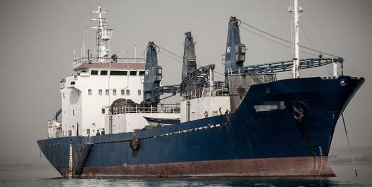 توقیف دو کشتی ترال در محدوده آب های کنارک و چابهار