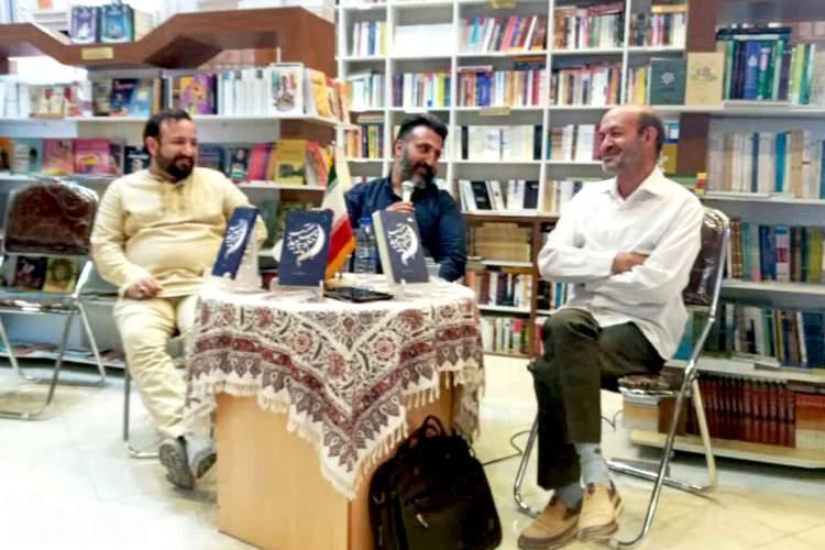 حامد اشتری: در رابطه با رمان دینی با یک زمین لم یزرع مواجهیم