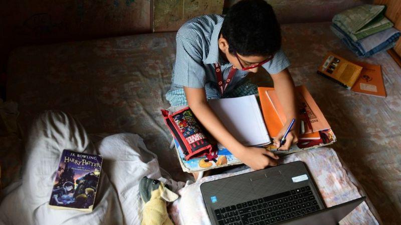 تغییر در مدارس جنوب آسیا در دوران کرونایی، محرومیت 147 میلیون کودک از آموزش آنلاین