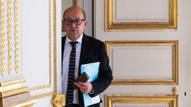 وزیر خارجه فرانسه: با بایدن درباره بی مسؤولیتی ترامپ هم نظر هستم
