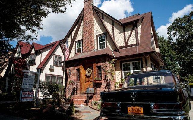 طرفداران ترامپ خواهان خرید خانه کودکی او به عنوان هدیه خداحافظی
