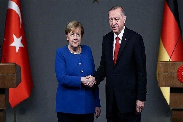 اردوغان و مرکل درباره روابط ترکیه و اتحادیه اروپا رایزنی کردند