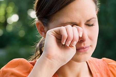 خشکی چشمتان را با چای رفع کنید