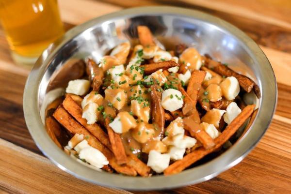 تور کانادا: خوراکی های خوشمزه ای که فقط مخصوص کانادا هستند